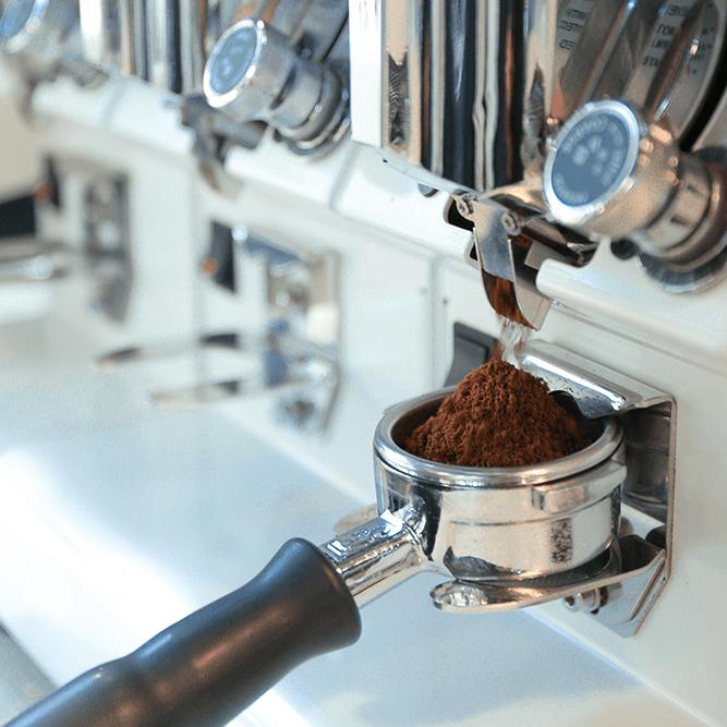 202008070346-Specialty-Coffee-la-gi-e1596772079713.png
